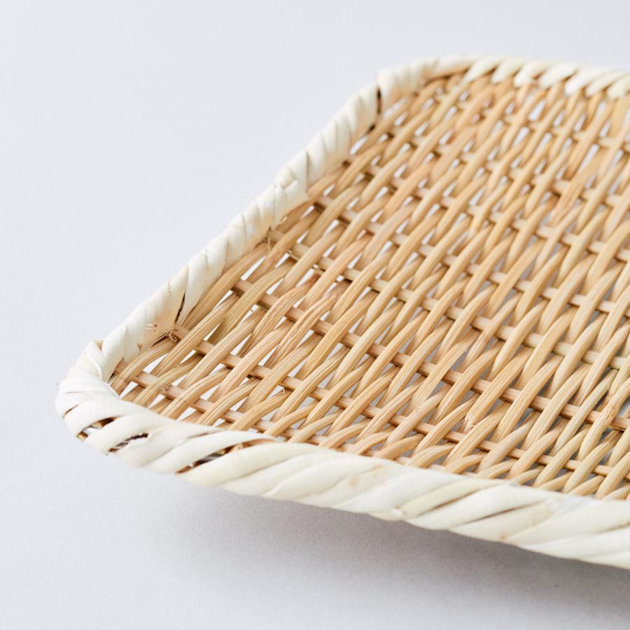 職人の手仕事。真竹で編み、周りを針金で固定
