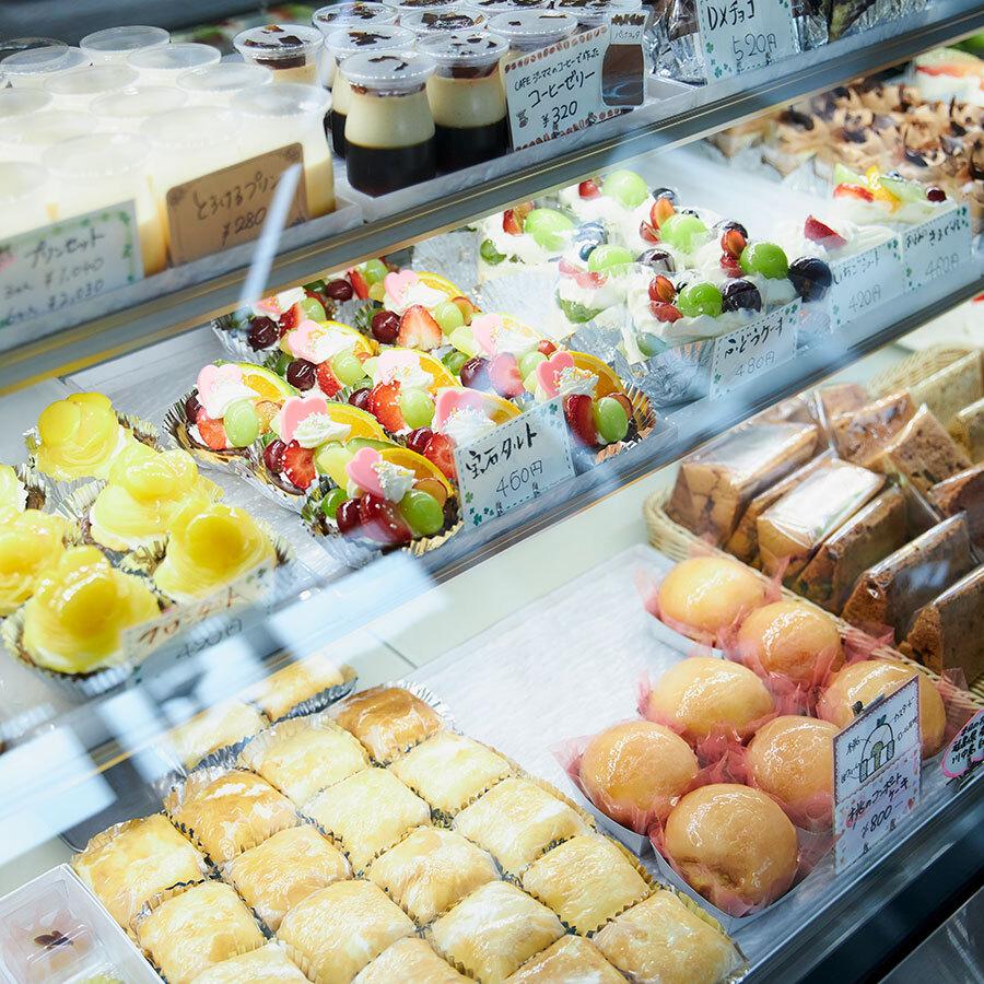 地元のブルワリーやカフェとのコラボ商品、ボンボンショコラなどの新商品も続々登場。