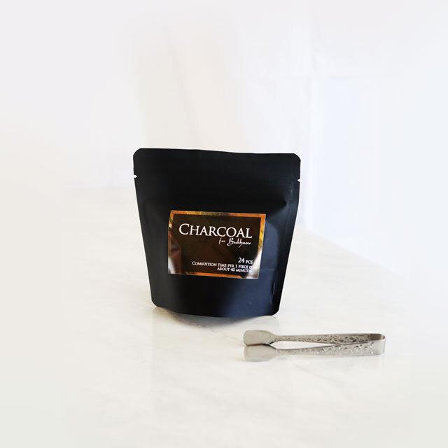 便利なトングもセットで。炭・お香を扱うときに大活躍です。スタッフも愛用の使いやすさ重視のトング。