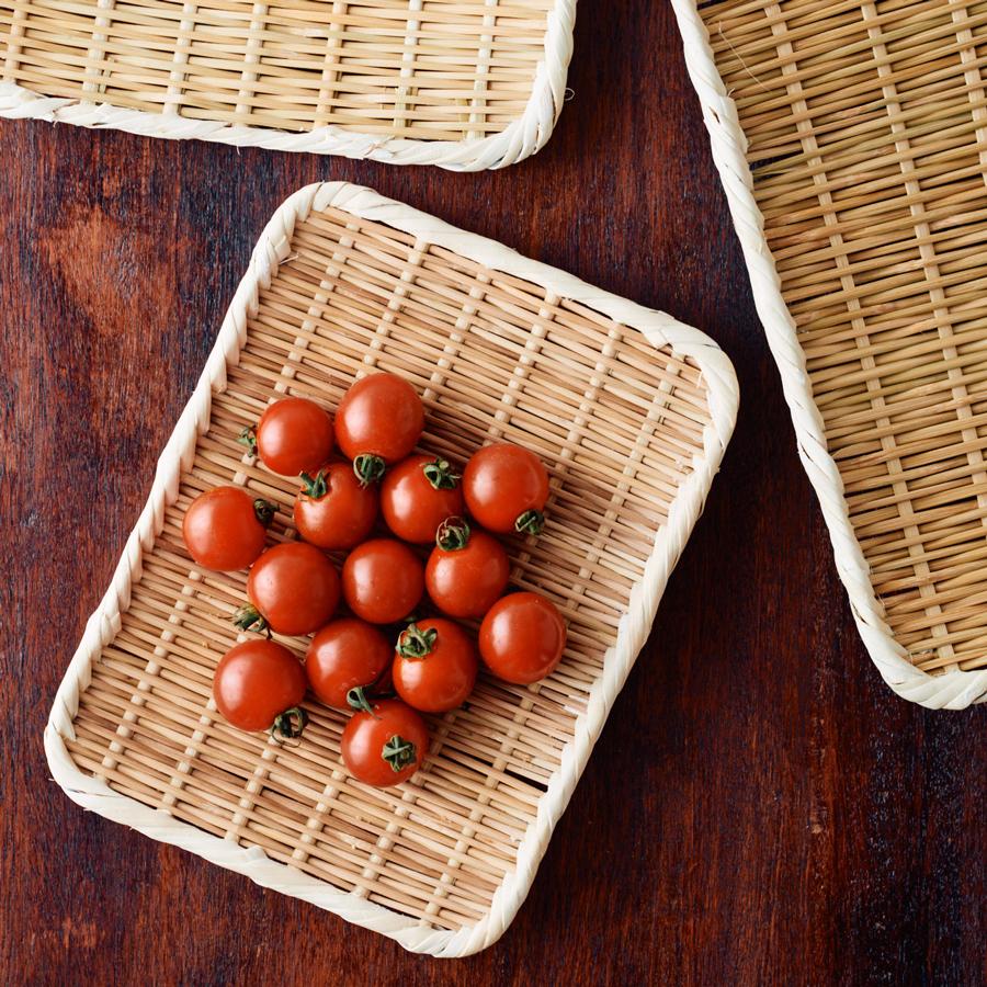 おくらや、ミニトマトなど小さな野菜を扱うときに(角盆ざる8寸)