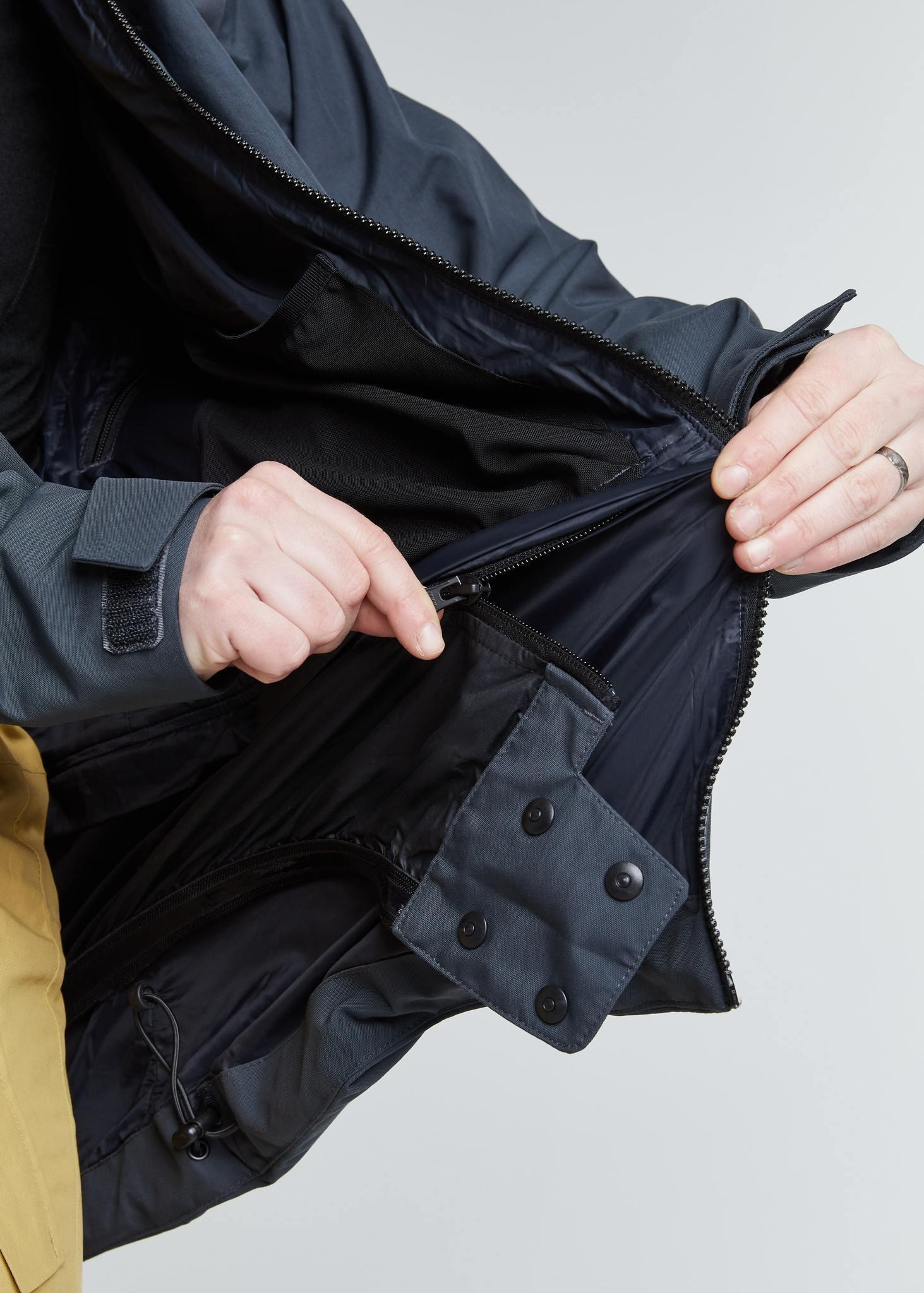 脱着可能なパウダースカート