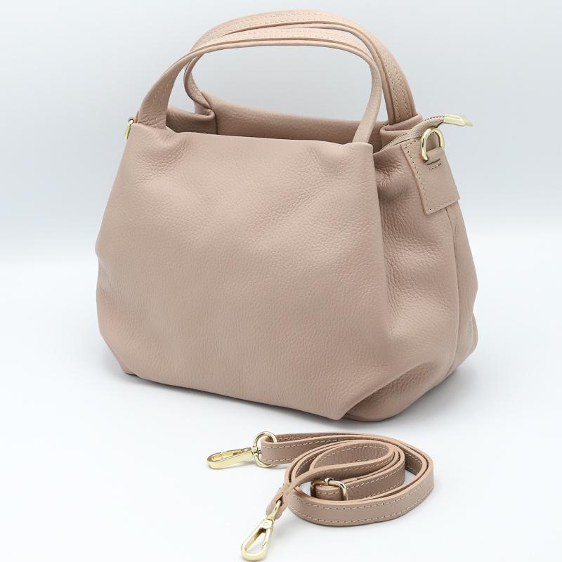 上品なベビーピンクの2WAYバッグ