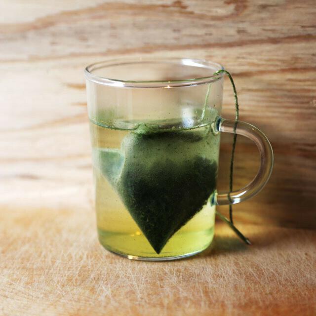 京都宇治田原産の優しい甘みの玉露茶です。