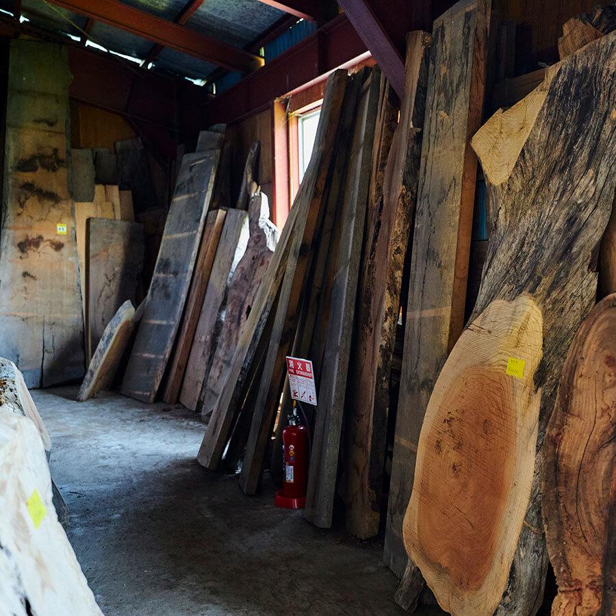 自分で選んだ木を、自分好みの用途やデザインでオーダーメイドに仕立てる贅沢。