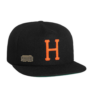 HOME FIELD WOOL STRAPBACK BLACK