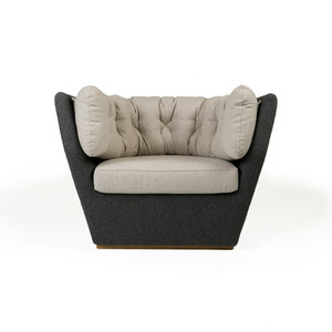 037S Hug Lounge Armchair | oak