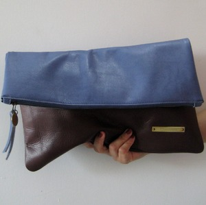 BICOLOR CLUTCH blue X brown