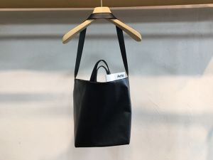 "Aeta "" SHOULDER TOTE M  BLACK """