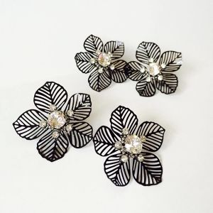 Black Big Flower earring【受注制作】