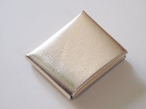 【irose】SEAMLESS SHORT WALLET 二つ折り財布 SILVER