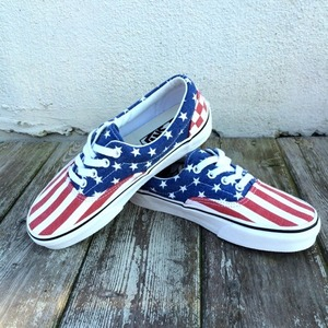VANS USA SKATE girls or junior