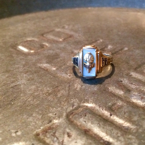 1960s TERRYBERRY 10K vintage college ring