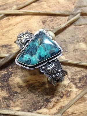 Apachi Mountain turquoise bngle