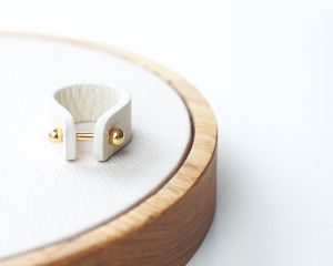 Leather ring -ivory-