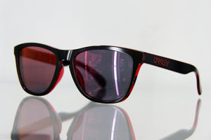 "OAKLEY ""Frogskins"" Eclipse Red"