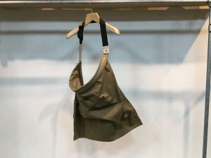 "WHOWHAT""WRAP BAG BEIGE[M]"""