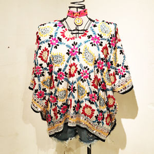 Embroidery Poncho / 1