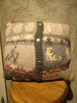 90's Nordic pattern cushion