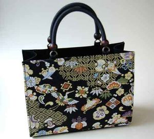 Japanese hand bag made of silk (quilt of Nishijin textile in Kyoto)3