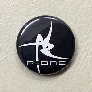 R-ONE 缶バッチ