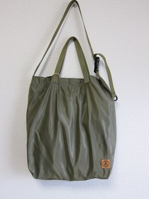 A WAGON SHOP : MA-1 2WAY TOTE<Olive>