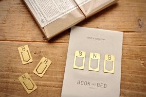TRAVELER'S FACTORY × BOOK AND BED TOKYO ブラスクリップ