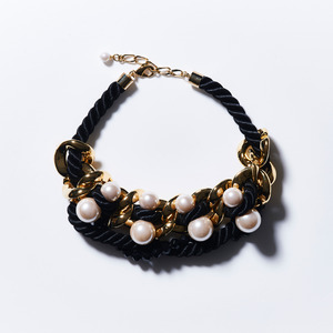 BIG CHAIN PEARL NECKLACE