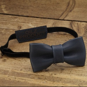 lether bowtie saddle blue