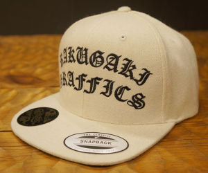 RAKUGAKI Melton Wool Old English SnapBack Cap Natural x Black