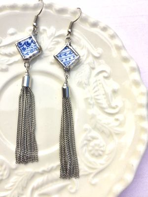【Broken China Jewelry】antique blue / metal tassel pierce