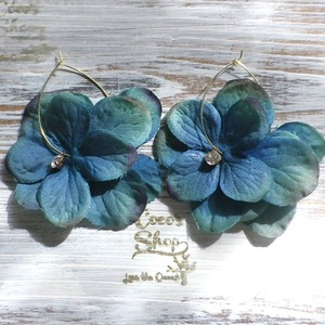 Girly Flowers  Pierce -Turquoise Green-