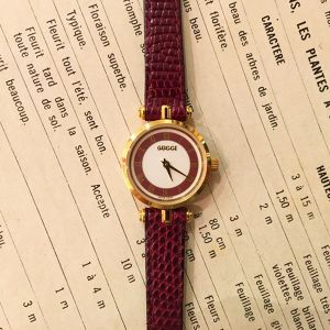 OLD GUCCI sherry line leather belt watch