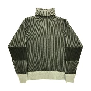 D.TT.K OVERSIZE HIGH NECK KNIT KHAKI × WHITE