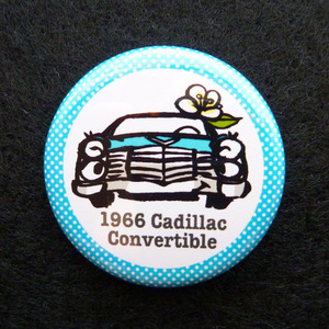 1966 Cadillac convertible 缶バッジ