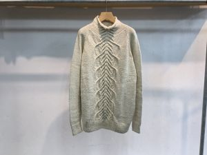 "WHOWHAT""ABARA Sweater Natural"""
