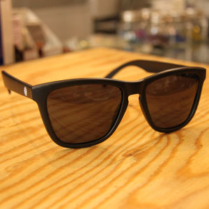 P01EYS polarized / SMOKE LENS X MAT BLACK P01EY0101