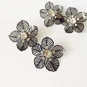 Black Big Flower pierce【受注制作】