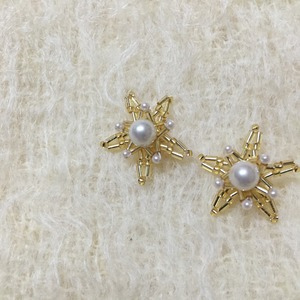 Flower Pearl Pierce   (GOLD)