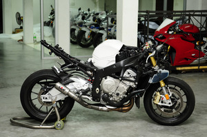 BMW S1000 GROWLER BLACK EDITION