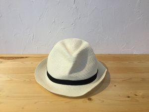 "mature ha "" BOXED HAT 4.5cm brim   White × Black """