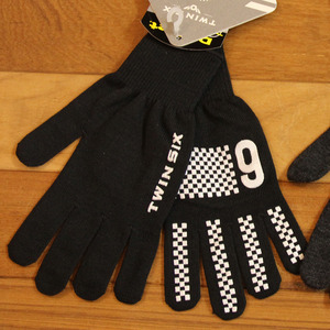 TWIN-SIX KNIT GLOVES