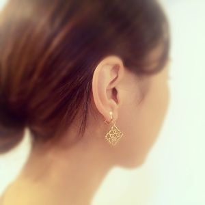 glamourous gold:earring