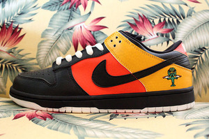 """NIKE DUNK LOW PRO SB Roswell Rayguns """"Home"""""""