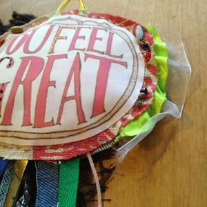deco brooch / you feel Great