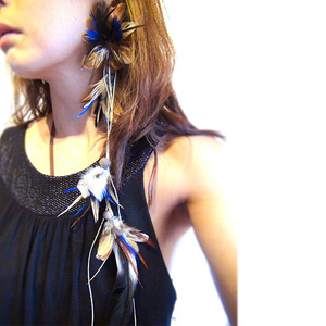 Patricia & Didi フェザーピアス :Blue Long Tail :PD024