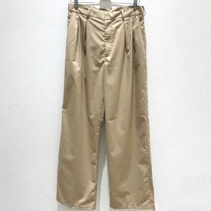 unrelaxing high-waist wide slacks beige