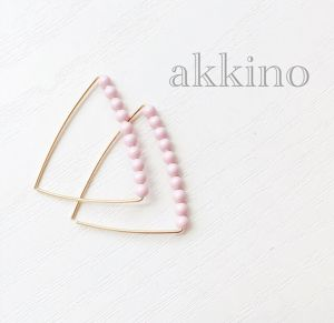 【14kgf wire】triangle△frameピアス(パステルピンク)