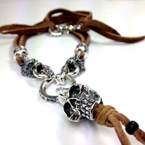 LEATHER NECKLACE 2 BEADS [SKULL & WOLVES] レザーネックレス2ビーズ・スカル&ウルブス