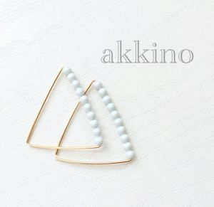 【14kgf wire】triangle△frameピアス(パステルブルー)