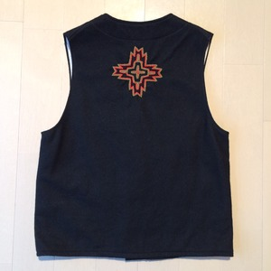 Embroidery wool vest / Small / Black